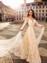Load image into Gallery viewer, Lisboa 'Augusta Vitoria' Innocentia RTW INLI 1902-1750 Ready To Wear European Bridal Wedding Gown Designer Philippines