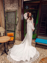 Load image into Gallery viewer, Lisboa 'Carlota De Bourbon' Innocentia RTW INLI 1904-790 Ready To Wear European Bridal Wedding Gown Designer Philippines