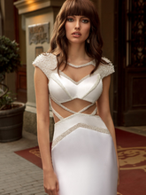 Load image into Gallery viewer, Sicilia 'Laura Lanza' Innocentia RTW INL2013-1230 Ready To Wear European Bridal Wedding Gown Designer Philippines