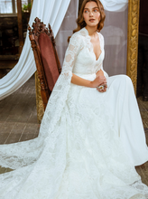 Load image into Gallery viewer, Memories  'Henrietta Maria' Innocentia RTW INL2110-1150 Ready To Wear European Bridal Wedding Gown Designer Philippines