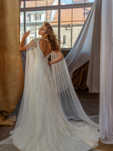 Load image into Gallery viewer, Memories  'Isabelle d' Anjou' Innocentia RTW INL2111-980 Ready To Wear European Bridal Wedding Gown Designer Philippines