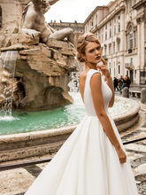 Load image into Gallery viewer, Roma 'Porcia Catonis' Innocentia RTW INLI 1810-520 Ready To Wear European Bridal Wedding Gown Designer Philippines