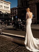 Load image into Gallery viewer, Roma 'Lucilla' Innocentia RTW INLI 1808-1050 Ready To Wear European Bridal Wedding Gown Designer Philippines