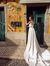 Load image into Gallery viewer, Lisboa 'Leonor De Avis' Innocentia RTW INLI 1910-870 Ready To Wear European Bridal Wedding Gown Designer Philippines