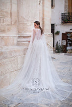 Load image into Gallery viewer, Italian Dream 'Mia' Nora Naviano Sposa RTW 20021-392 Ready To Wear European Bridal Wedding Gown Designer Philippines