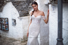 Load image into Gallery viewer, Italian Dream 'Melanie' Nora Naviano Sposa RTW 20017-392S Ready To Wear European Bridal Wedding Gown Designer Philippines