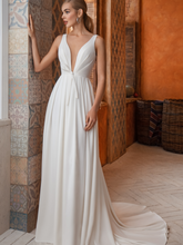 Load image into Gallery viewer, Casablanca 'Dalia' Innocentia RTW INW 2035-250 Ready To Wear European Bridal Wedding Gown Designer Philippines