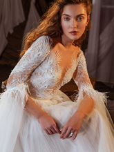 Load image into Gallery viewer, Memories  'Margaret Tudor' Innocentia RTW INL2114-760 Ready To Wear European Bridal Wedding Gown Designer Philippines