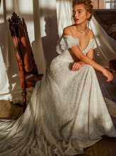 Load image into Gallery viewer, Memories  'Eleanor de Provence' Innocentia RTW INL2108-1080 Ready To Wear European Bridal Wedding Gown Designer Philippines