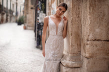 Load image into Gallery viewer, Italian Dream 'Madonna' Nora Naviano Sposa RTW 18297 Ready To Wear European Bridal Wedding Gown Designer Philippines