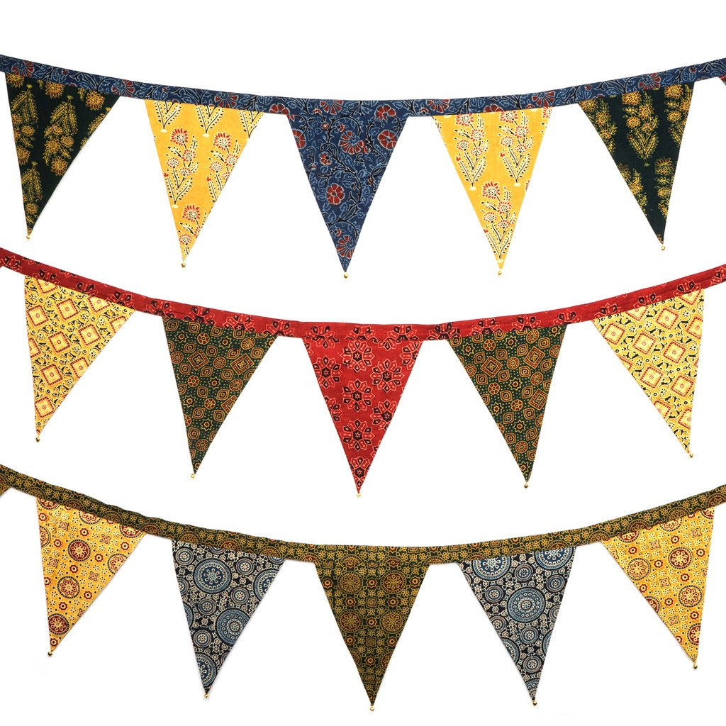 Global Crafts - Handcrafted Fabric 'Afternoon Bunting' 92-inch Garland - Matr Boomie (H)