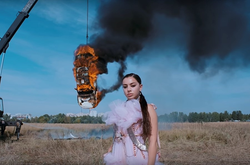 "A SUSPENDED PERFORMANCE BY CHARLI XCX IN THE ""WHITE MERCEDES"" MV"