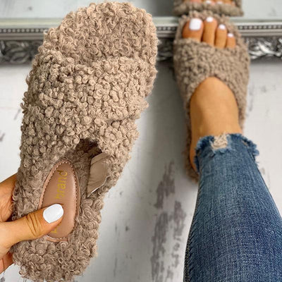 Solid Fluffy Crisscross Design Flat Sandals - GlitterLily