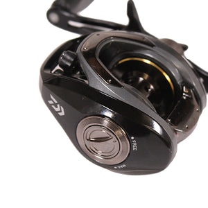 Daiwa CR80 Casting Reel 7.5:1 Gear Ratio, 7BB, !RB Bearings, 15 lb Max Drag, Right Hand