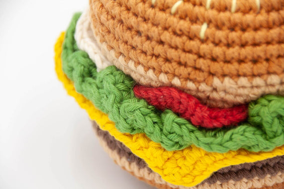 FURST - The Yummy Burger is a high-end dog toy
