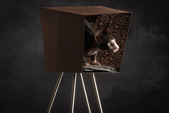 FURST - Corten den for cats on pedestal