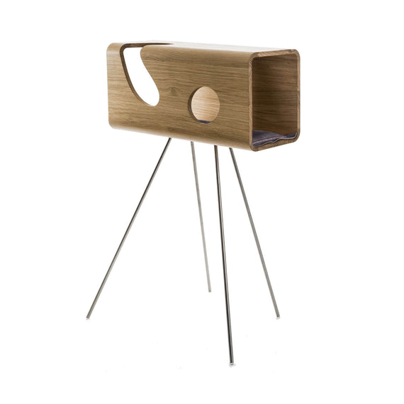 FURST - Legno den for cats in oak with a gray leather cushion on its pedestal