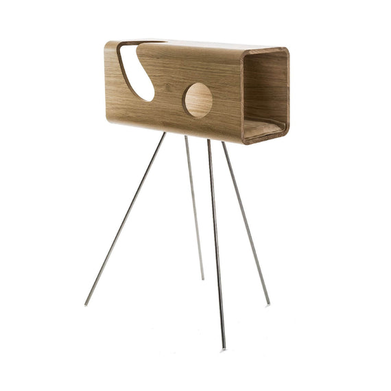 FURST - Legno lair for cats in oak with a sand cushion on its pedestal