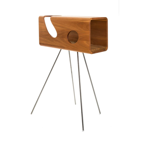 FURST - Legno den for cat in walnut with a wavy camel leather cushion on its pedestal