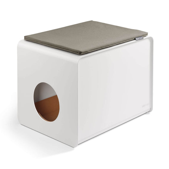 FURST Stella cushion in mocca color covering the cat toilet