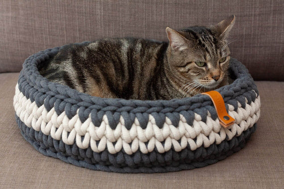 FURST - Basket for Olympus cat in delicate cotton in anthracite and beige color