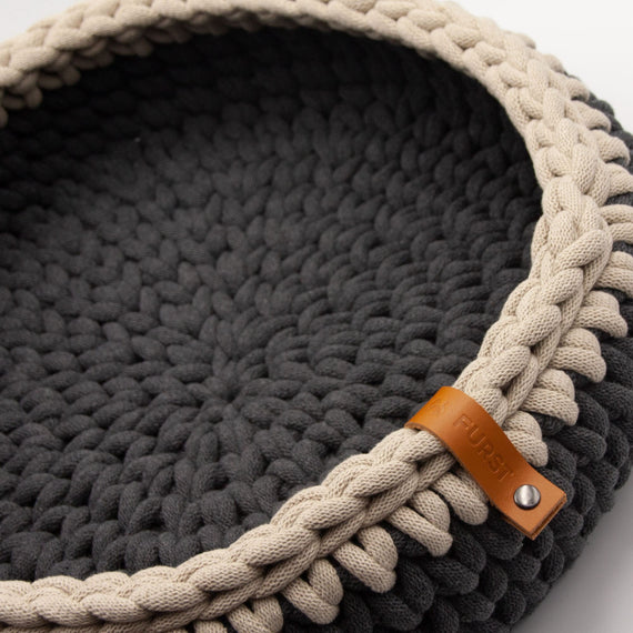 FURST - Oscar cat basket in delicate anthracite and beige cotton