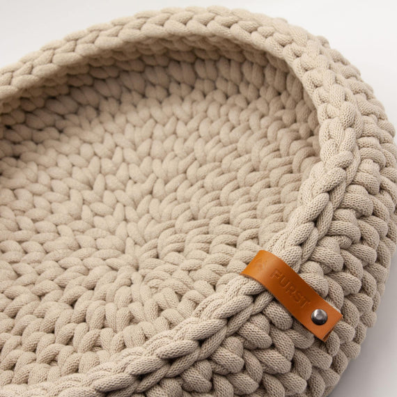 FURST - Oslo cat basket in delicate beige cotton