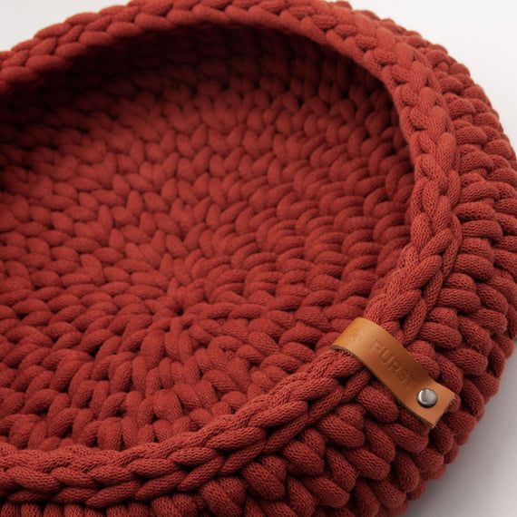 FURST - Oslo cat basket in delicate brick-colored cotton