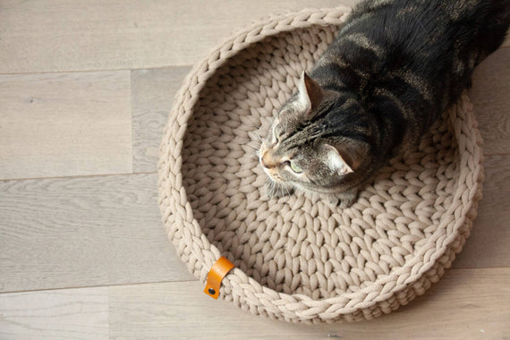 FURST - Oslo cat basket in delicate cotton, sand color