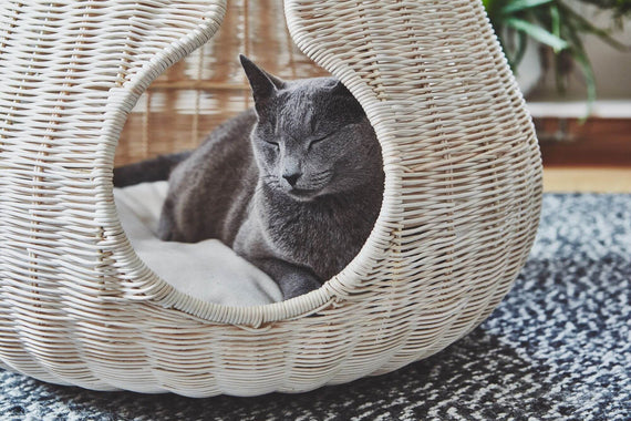 FURST - Perla design den for woven and natural rattan cat