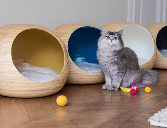 FURST - Design ball lure for high-end cat in natural bamboo wood