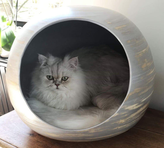 FURST - Denim ball design for high-end cat in natural white silver bamboo wood interior white