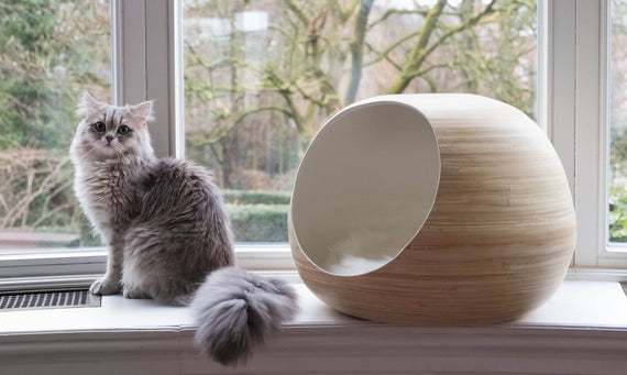 FURST - Design ball lure for high-end natural bamboo wood cat in white interior color