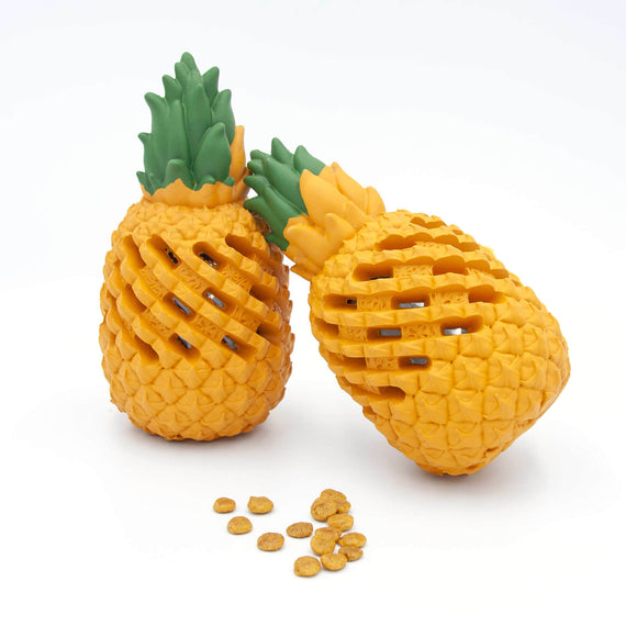 FURST - Premium dog treat toy in pineapple form