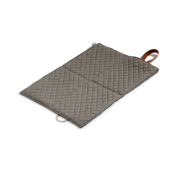FURST - Slate and pebble color open exit mat in folding format for small dogs