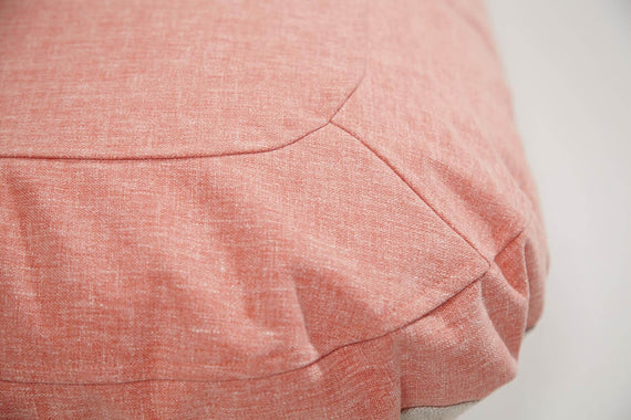 FURST - Overview of the finish of this high-end cushion for small dog in peach color