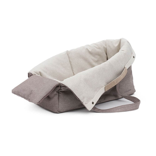 FURST - Elegant and refined upscale travel bag for light gray dogs