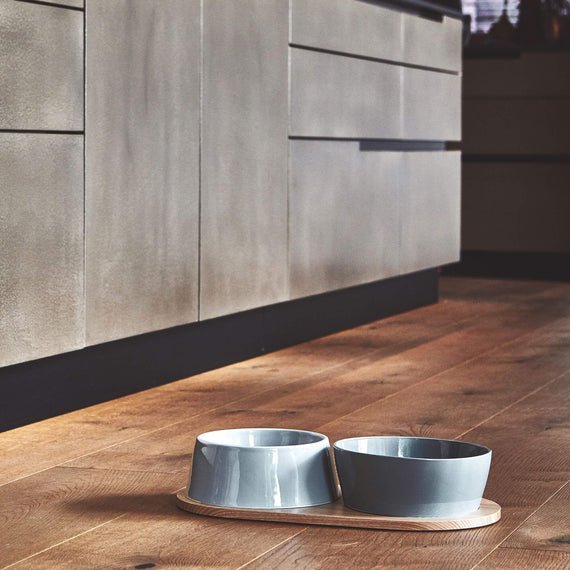 FURST - Duo of ceramic dog bowls with its natural ash tray