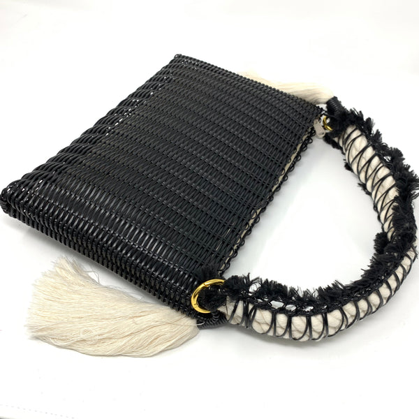 THE MACRAME CLUTCH BLACK / NATURAL