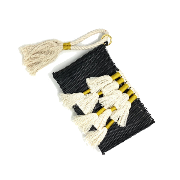 THE TAPESTRY KNOTTED CLUTCH BLACK / NATURAL