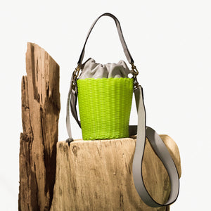 WOVEN LEATHER BUCKET LIMONE