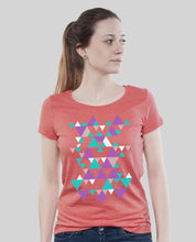 "Laden Sie das Bild in den Galerie-Viewer, Low Cut Shirt Coral ""Triangle"""