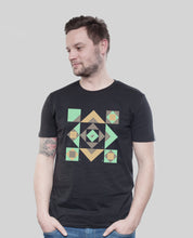 "Laden Sie das Bild in den Galerie-Viewer, Bio T-Shirt Black ""Squared"""