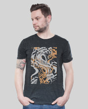 "Laden Sie das Bild in den Galerie-Viewer, Bio T-Shirt Dark Heather Grey ""Distorsion"""