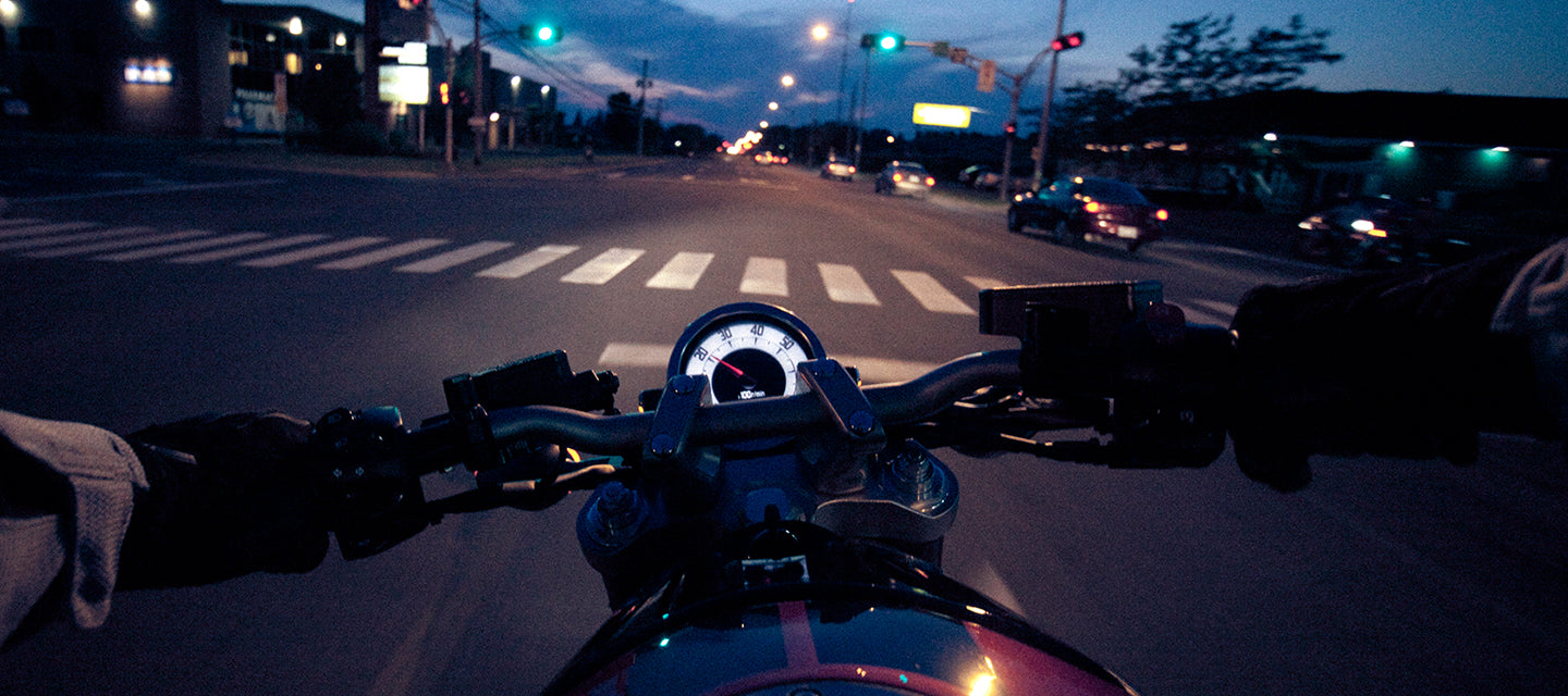 Motorcycle traffic light trigger