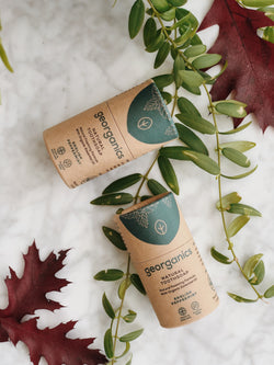 natural and organic toothsoap with english peppermint by Georganics and its plastic free packaging