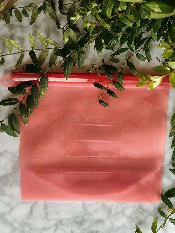 Reusable and sustainable silicone food bag in red by The Clean Market