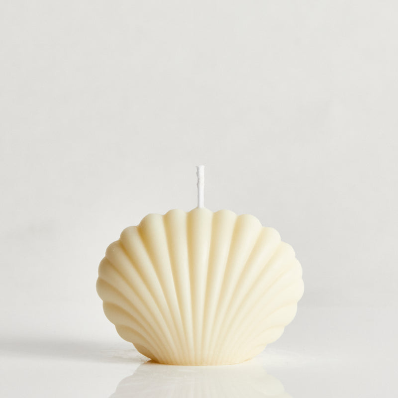 Bombshell Mini Scented Shell Candle - oat, Elaina Grace, The Clean Market