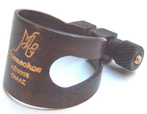 Bass clarinet wooden ligature