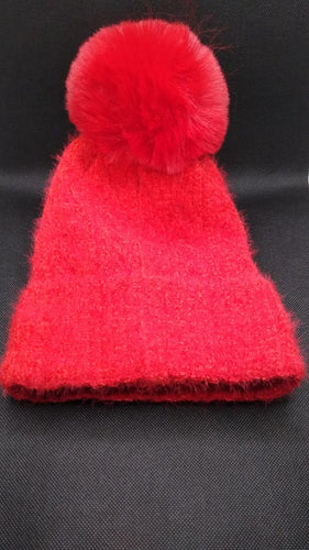 Bobble Hat in Fluffy Cable Knit with Fleece Lining